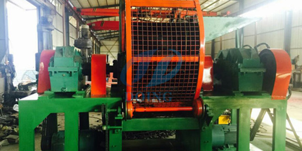 Fully automatic tire crusher shredding machine test before delivery