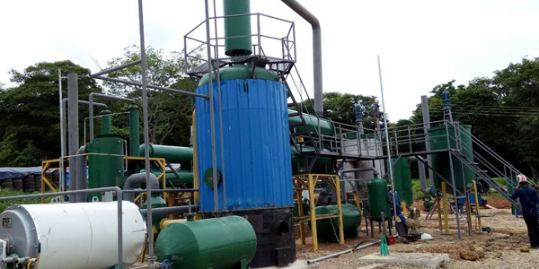Pyrolysis of tire/plastic to diesel fuel distillation plant running in Columbia